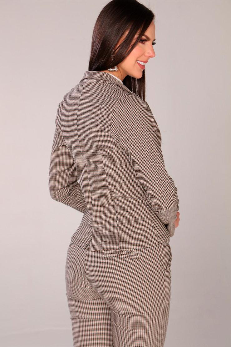 chaqueta-para-mujer-al-por-mayor-chaqueta-de-moda-San-alejo-moda-ref-MARA-posterior-escoces-cafe