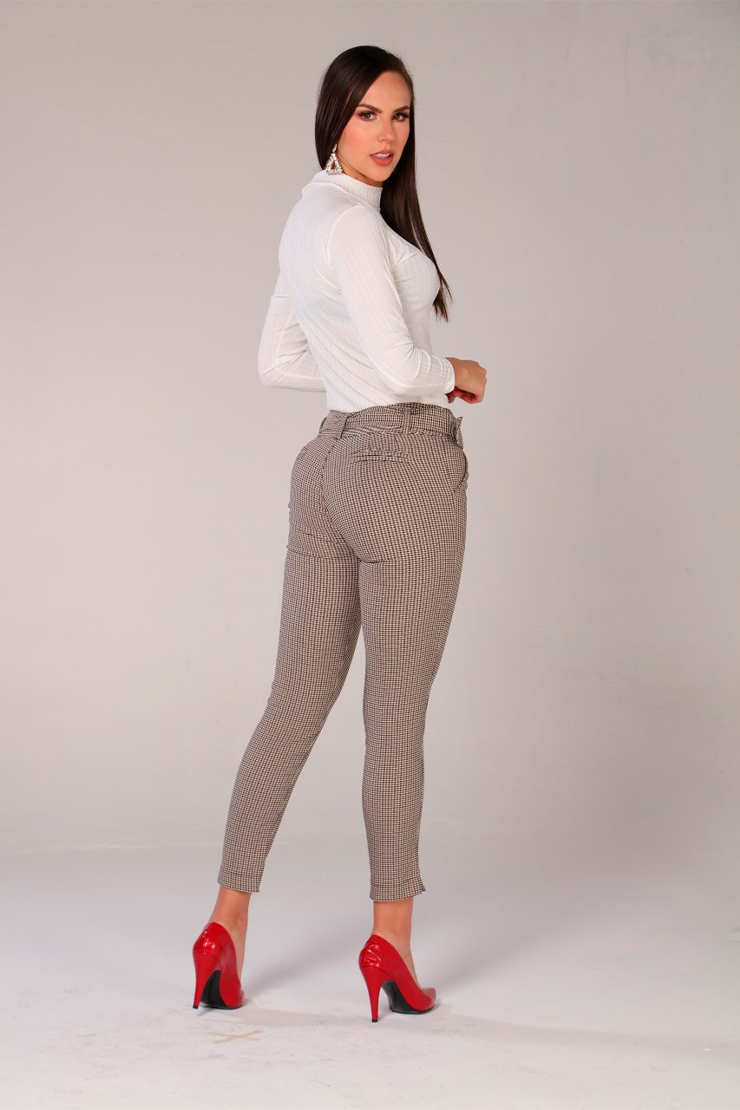 pantalon-para-mujer-al-por-mayor-pantalon-de-moda-San-alejo-moda-ref-FENDY-posterior-escoces-cafe